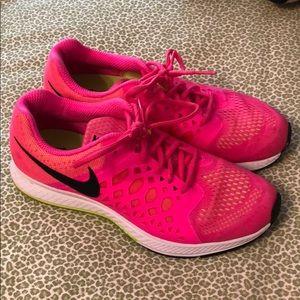 Nike Zoom Pegasus 31 running shoes